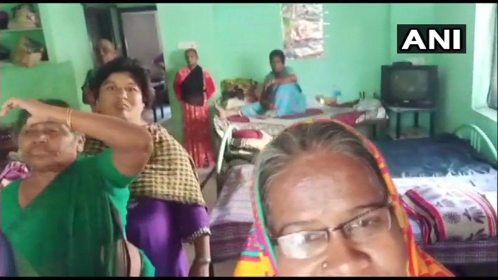 तेलंगाना: वृद्धाश्रम में जंजीरों से बांधकर रखे गए थे 73 बुजुर्ग, पुलिस ने किया रेस्क्यू