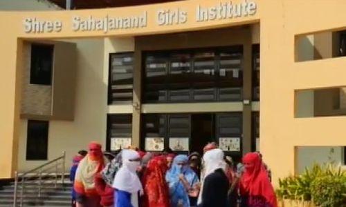 मर्यादा हुई शर्मसार,68 लड़कियों को वॉशरूम में इनरवियर उतरवाकर जानी सच्चाई