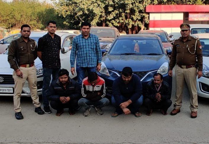 4 शातिर वाहन चोरों को नोएडा पुलिस ने किया गिरफ्तार,कब्जे से 6 लक्जरी कार बरामद