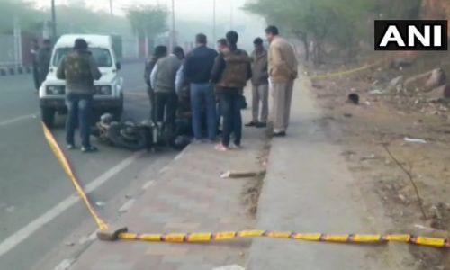 कई दिनों से थी तलाश, दिल्ली पुलिस और बदमाशों के बीच हुई मुठभेड़, पुलिस ने 2 बदमाश को किया ढेर