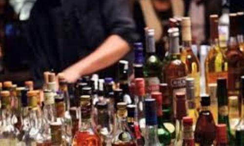 अंग्रेजी शराब की दुकान पर मिली नकली शराब,आबकारी विभाग ने किया ठेके को सील