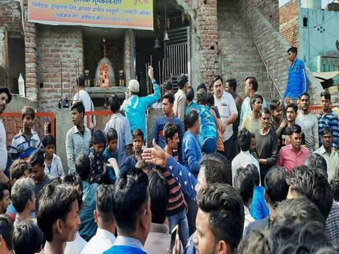 अलीगढ़ में माहौल तनावपूर्ण, ऊपरकोट में प्रदर्शन, शाहजमाल में भी तनाव, पुलिस का लाठीचार्ज