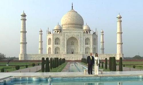 ताज का दीदार करते हुए डोनाल्ड ट्रंप अपनी पत्नी मेलानिया के संग खिंचवाई कई तस्वीर, देखें यहां