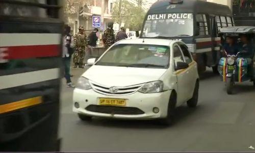 दिल्ली पुलिस सीलमपुर इलाके में घूम-घूम कर रही है ऐलान, देखें इस विडियों में