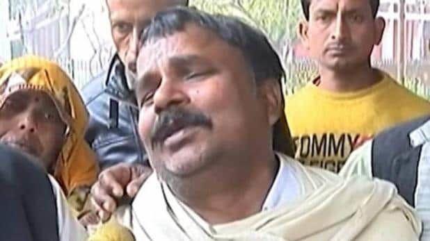 दिल्ली हिंसा में 22 मौत: 26 साल के राहुल सोलंकी के पिता ने रोते हुए कहा, कपिल मिश्र के कारण मेरा बेटा मारा गया