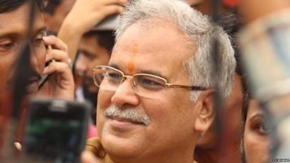 मोदी सरकार के निशाने पर क्यों हैं कांग्रेस के ताक़तवर नेता भूपेश बघेल?