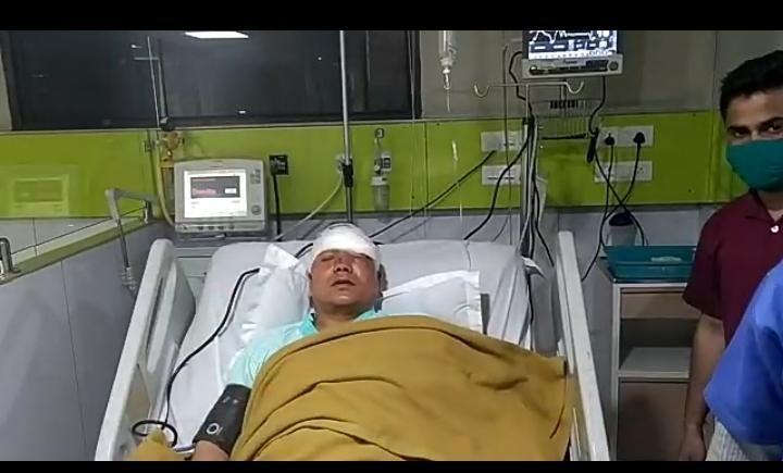 गाजियाबाद के एडीएम मदन सिंह गबरियाल पर हमला, अस्पताल में भर्ती