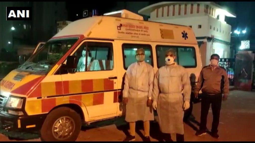 नोएडा में कोरोना वाइरस पीड़ित चीनी नागरिक ने किया खुद को घर में कैद