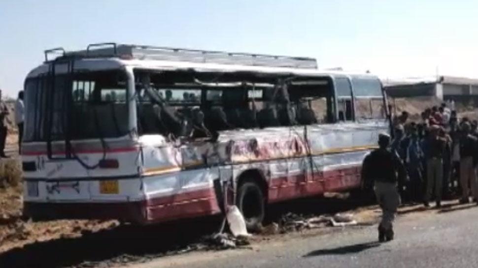 राजस्थान में बड़ा हादसा, जोधपुर में ट्रक और बस की आपस में टक्कर होने से 4 लोगों की मौत, 20 घायल