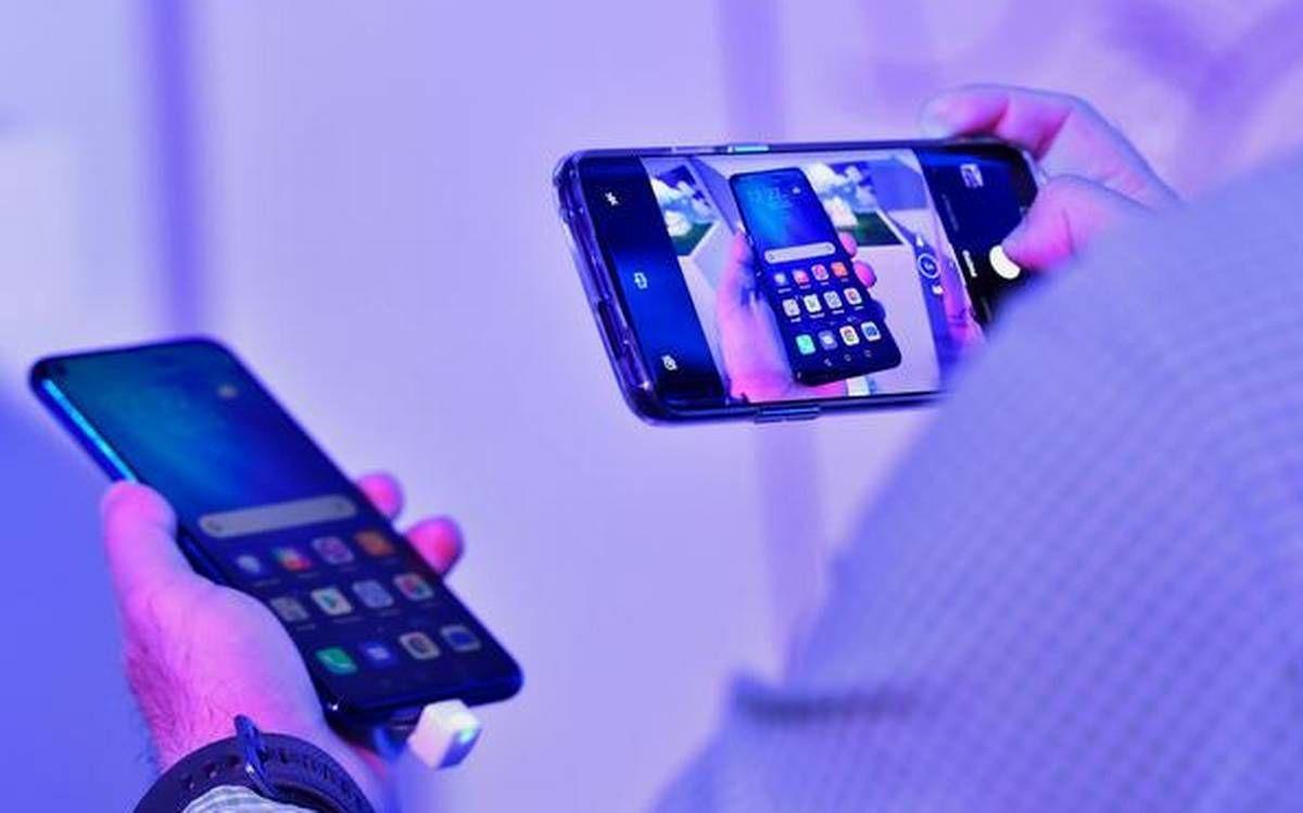 मोबाइल फोन पर जीएसटी 12 प्रतिशत से बढ़ाकर 18 प्रतिशत, बढ़ेंगे स्मार्टफोन के दाम