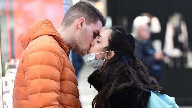 कोरोना वायरस का आपकी सेक्स लाइफ़ पर क्या असर पड़ेगा?