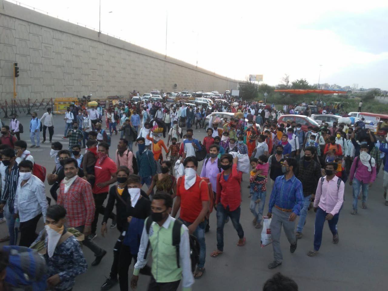Lockdown: घर पहुंचने से पहले थमा जिंदगी का सफर, कोरोना के भय से पैदल चलते-चलते मजदूर की मौत