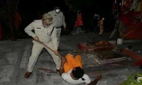 लॉकडाउन के दौरान मंदिर में पूजा कर रहे पुजारी को दारोगा ने डंडे से पीटा, CM ने लिया ऐक्शन