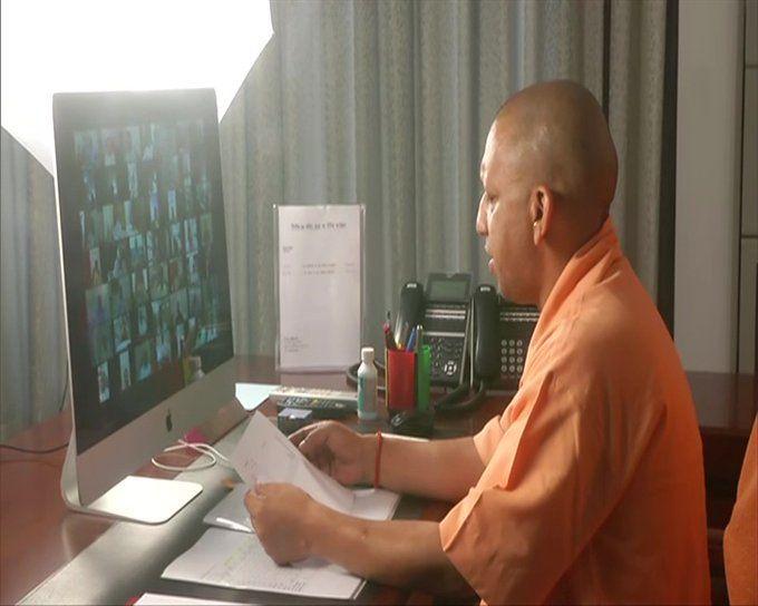 सीएम योगी ने विधायकों से वीडियो कांफ्रेंस करके बताया 15 अप्रैल से लॉकडाउन पर क्या करना होगा