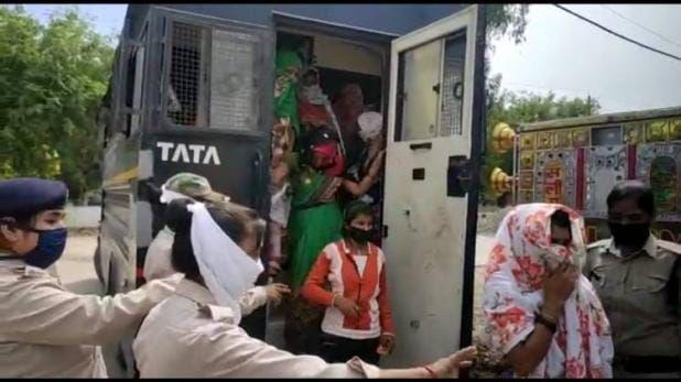 मध्य प्रदेश के भिंड में 39 गरीब महिलाओं को गिरफ्तार कर जेल भेज दिया
