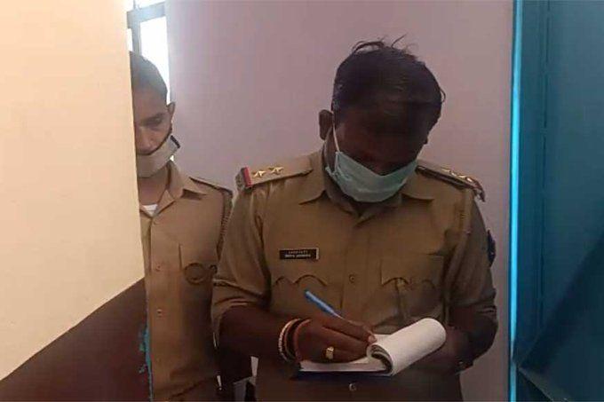 कानपुर में मासूम बेटे को फांसी पर लटका कर बाप ने भी की आत्महत्या