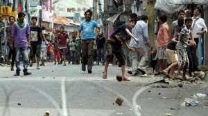 नमाज रोकने गई औरंगाबाद पुलिस पर पथराव, 3 घायल, 27 गिरफ्तार