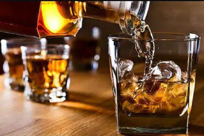 शराब की दुकानें क्यों खुलीं, इसको समझने के लिए शराब और अर्थव्यवस्था के गणित को समझना पड़ेगा
