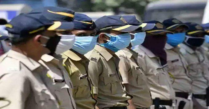 एक ही थाने के 12 पुलिसकर्मी कोरोना वायरस संक्रमित पाए जाने से मचा पुलिस विभाग में हडकम्प