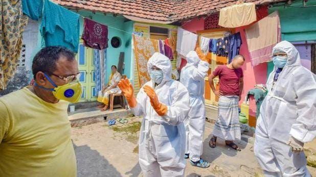 महाराष्ट्र में अंतिम संस्कार में उड़ीं कोविड गाइडलाइन की धज्जियां, 9 को हुआ कोरोना