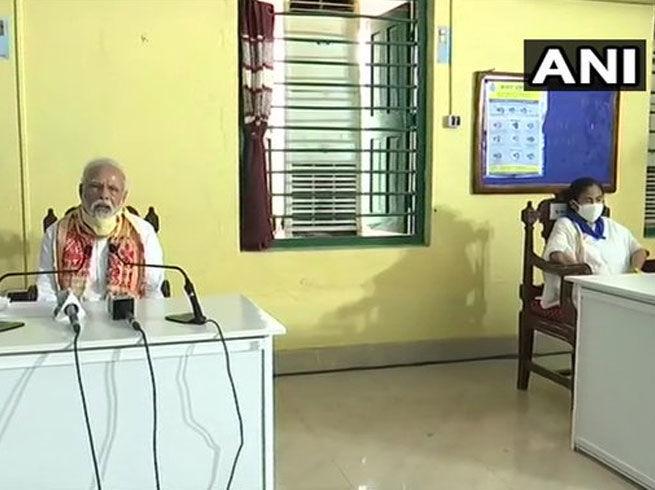 अम्फान से प्रभावित पश्चिम बंगाल को पीएम मोदी ने दिया एक हजार करोड़ रुपये का पैकेज