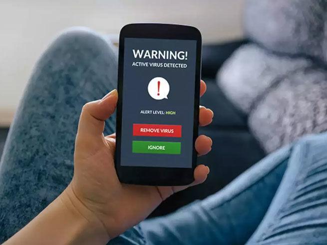 गूगल प्ले स्टोर पर मिला खतरनाक ऐप, लूट रहा यूजर्स का पैसा