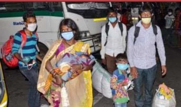 झारखंड : मुख्यमंत्री हेमंत सोरेन की मुहिम लाई रंग, मुंबई से 180 मजदूरों को लेकर रांची पहुंची स्पेशल फ्लाइट
