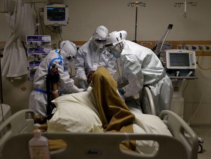 इस देश के हालात हुए और बदतर, अब प्रधानमंत्री और उनका परिवार कोरोना वायरस की चपेट में