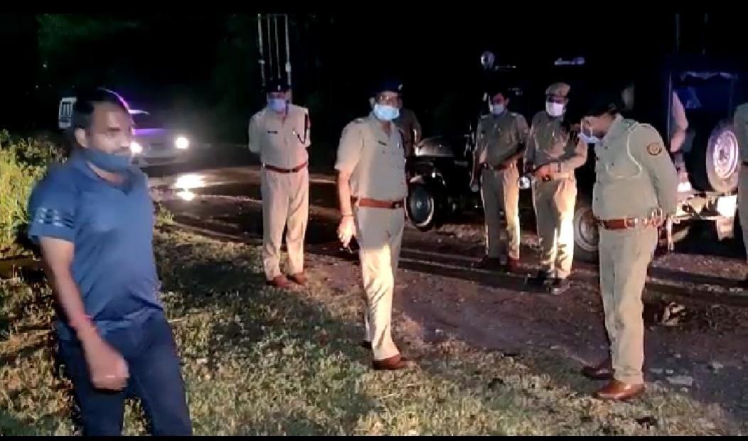नोएडा: जारचा थाना पुलिस ने लगातार तीसरी मुठभेड़ करते हुये 25 हजार रूपये के इनामी बदमाश को पकड़ा