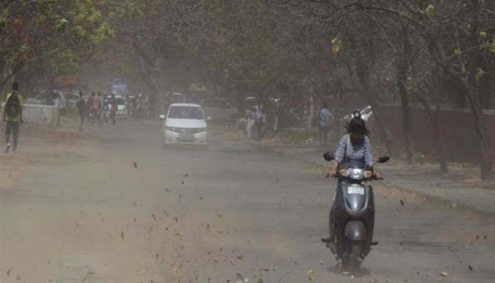 यूपी में आंधी बारिश से कई जिलों में नुकसान, कन्नौज में पांच की मौत, प्रदेश में कुल 23 मौतें