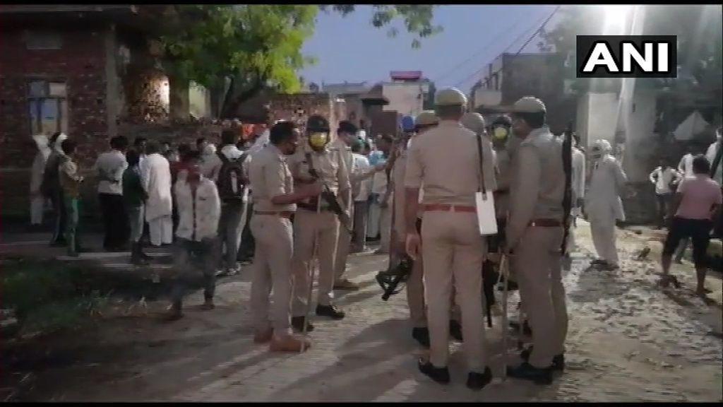 उत्तर प्रदेश के बागपत जिले में सरेआम ट्रिपल मर्डर, बदमाशों ने बीजेपी नेता के बेटे समेत तीन को गोलियों किया छलनी