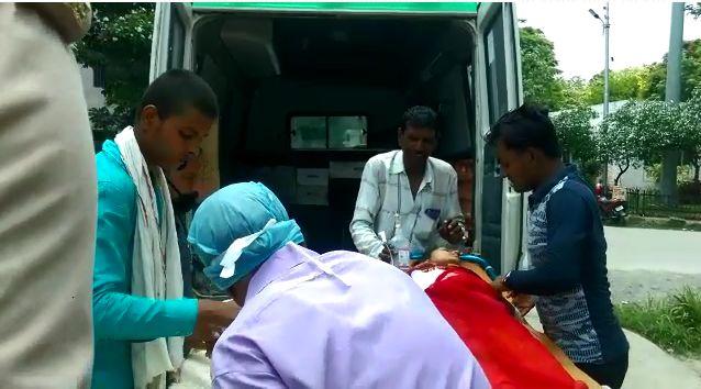 बिजनौर में प्रेमी पर प्रेमिका को चाकू मारने का आरोप