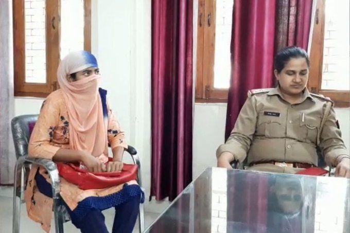एक करोड़ कमाने वाली शिक्षिका अनामिका यूपी के कासगंज से गिरफ्तार!