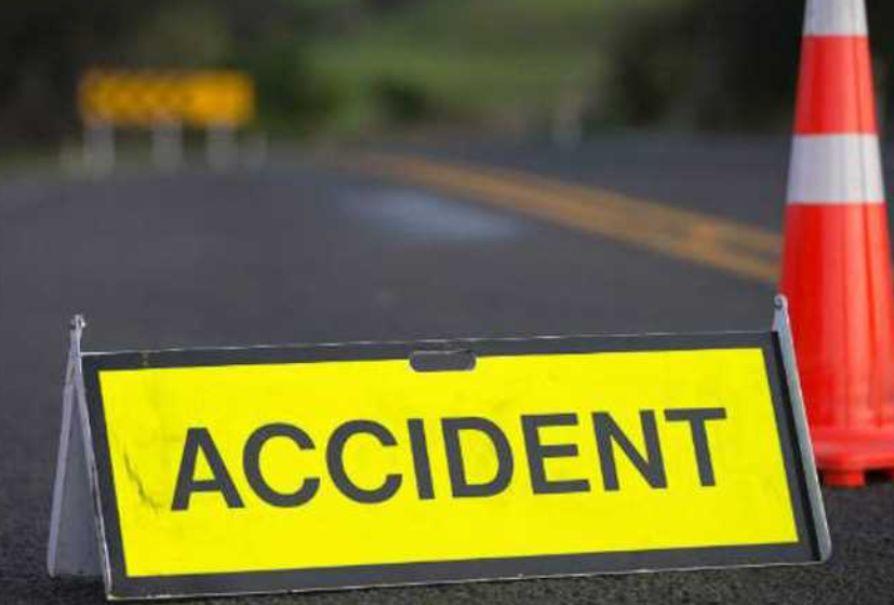 यमुना एक्सप्रेस- वे पर खड़े ट्रक में पीछे से आ रहे ट्रक ने मारी टक्कर,एक की मौत
