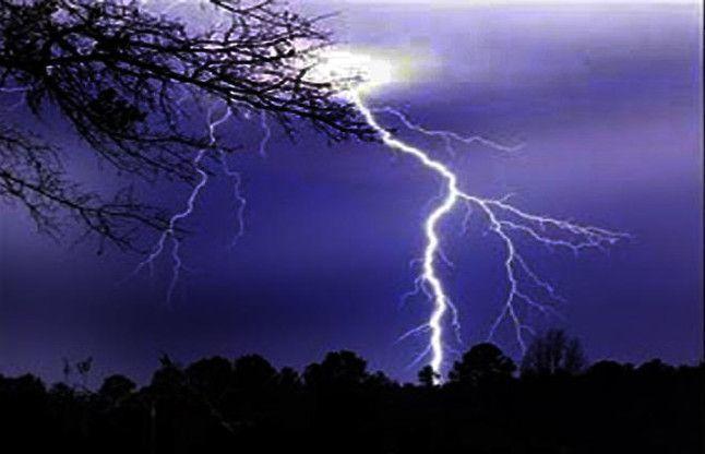 बिहार में आकाशीय बिजली गिरने से 83 लोगों की मौत, यूपी में 23 की मौत