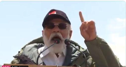 लेह पहुंचकर जवानों के बीच गरजे PM मोदी, बोले-