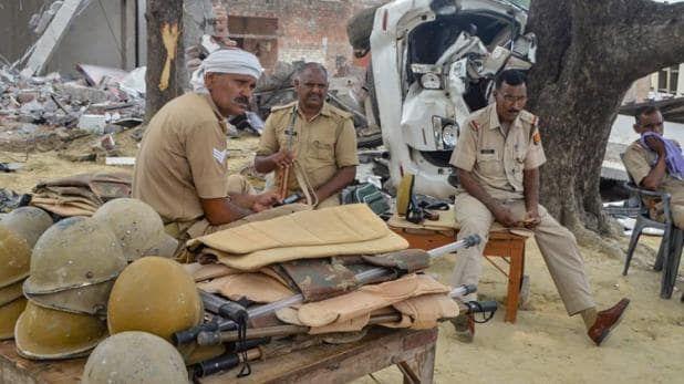 कानपुर कांड की असली वजह बना छह बीघा जमीन का झगड़ा, लेकिन घटना के बाद से विकास दुबे की शिकायत करने वाला फरियादी हुआ गायब