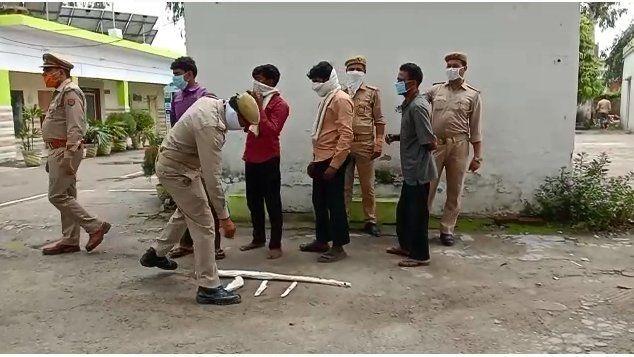 बिजनौर: हिरण के मीट के साथ 4 शिकारी गिरफ्तार, हथियार भी बरामद