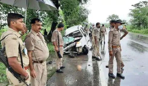 प्रतापगढ़ में भीषण सड़क हादसा, एक ही परिवार के 3 लोगों की दर्दनाक मौत