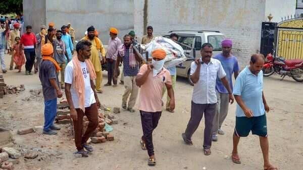 पंजाब जहरीली शराब से मृतकों की संख्या पहुंची 86 : 7 आबकारी अधिकारियों समेत 6 पुलिसकर्मी निलंबित