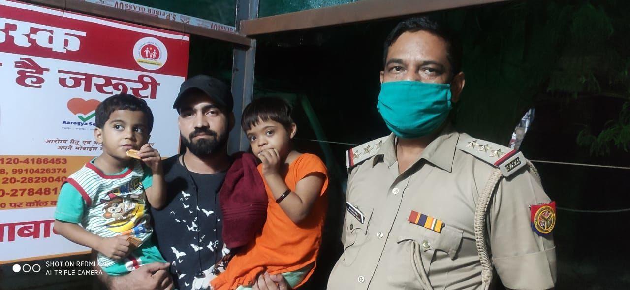 गाजियाबाद पुलिस ने घर से खेलते-खेलते गायब हुई मासूम बच्चियों को मात्र 1 घंटे में खोज कर परिजनों के चेहरे पर लौटाई मुस्कान