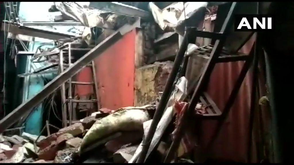 महाराष्ट्र में हादसा : मुंबई के चेंबूर इलाके में इमारत गिरने से एक की मौत, चार लोग घायल