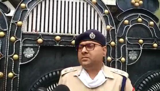 मैनपुरी एसपी अजय कुमार ने माफिया और हिस्ट्रीशीटरों पर कसा शिकंजा, सीज की करोड़ों की संपत्ति