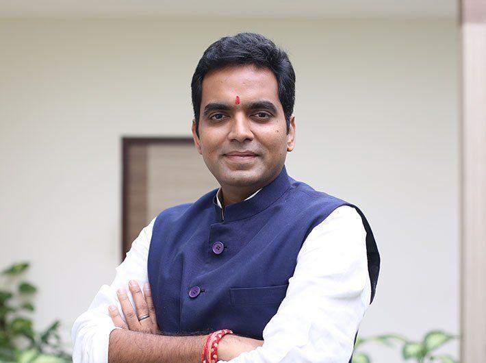 नोएडा से BJP विधायक पंकज सिंह हुए कोरोना संक्रमित, अस्पताल में हुए भर्ती