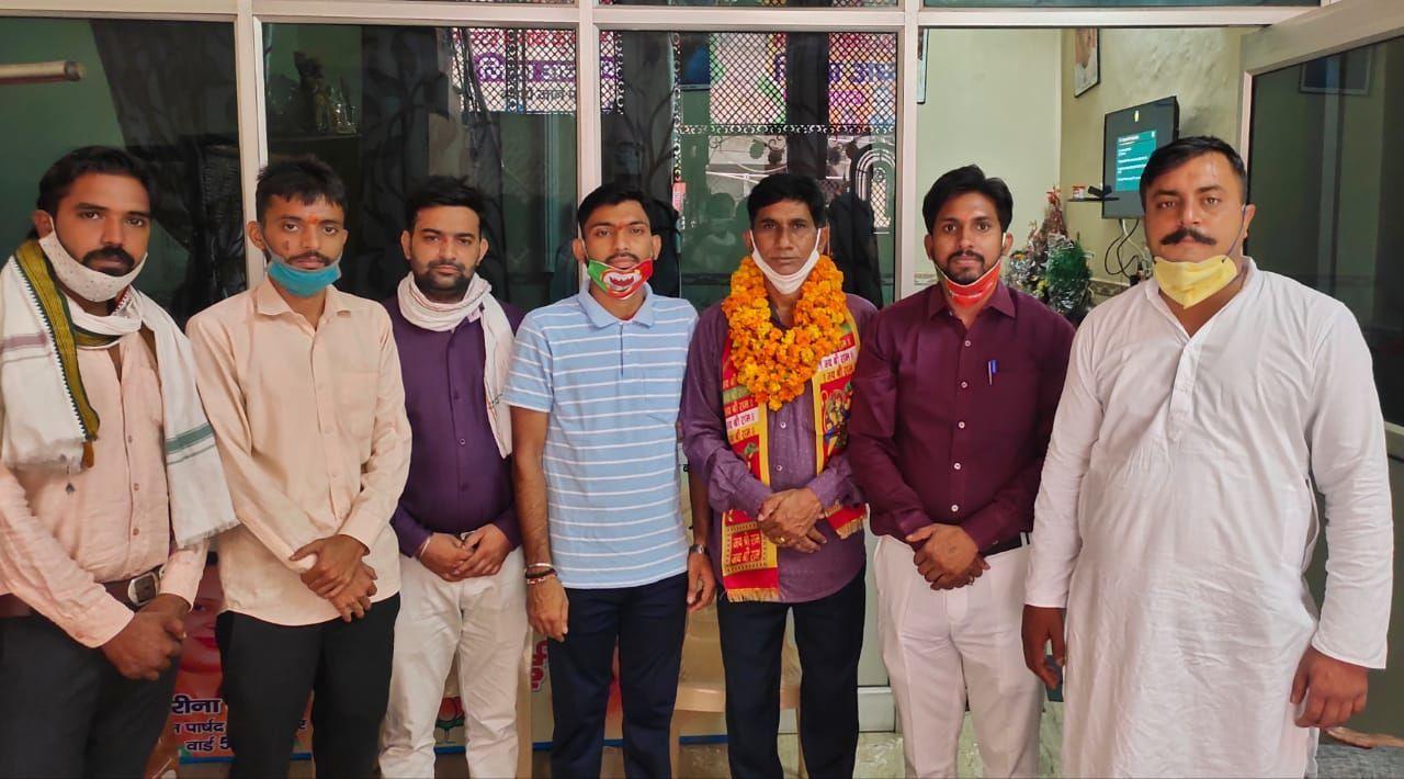 भाजपा नवीन शाहदरा मास्टर विनोद पांचाल को जिलाध्यक्ष बनाएं जाने पर विश्वकर्मा समाज ने दी बधाई
