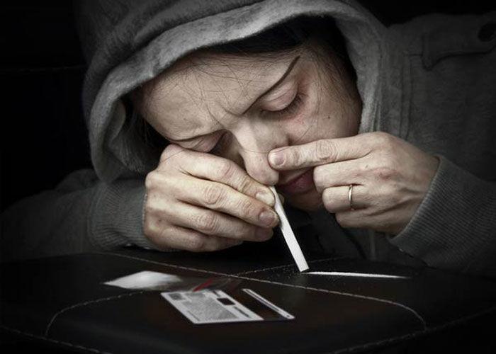 प्यादों को घेरने से नहीं होगी ड्रग्स के बादशाह की मात