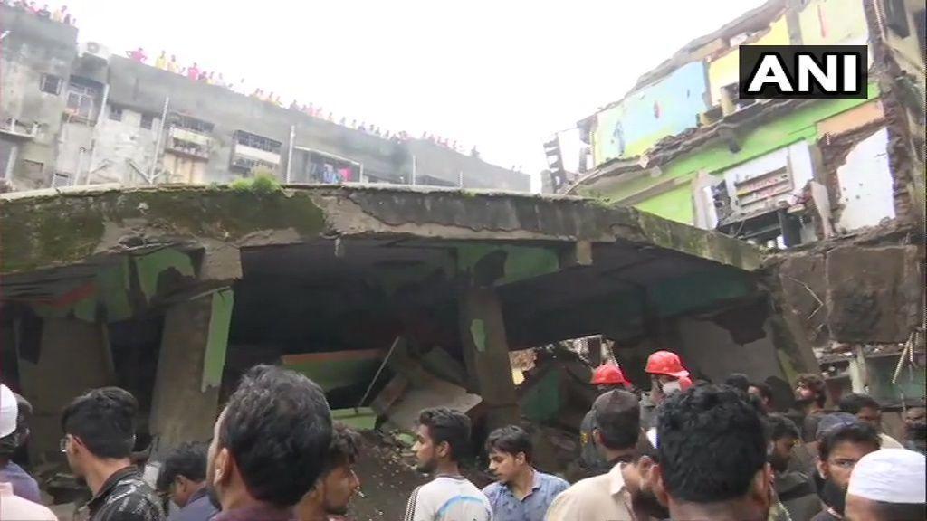 मुंबई में बड़ा हादसा, भिवंडी में तीन मंजिला इमारत गिरी, 10 की मौत, राहत-बचाव का काम जारी