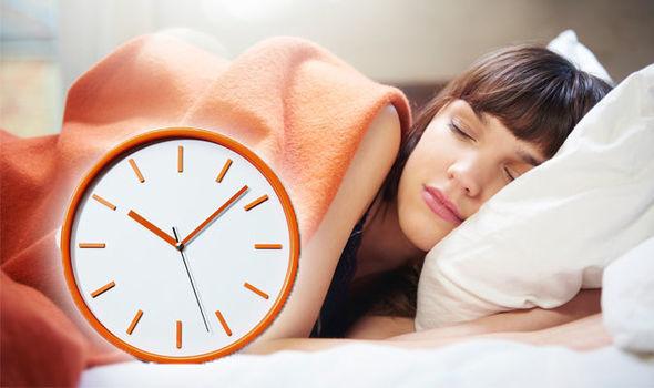 सोने से पहले अपनाएं ये आसान टिप्स, चैन की नींद पाने में हैं बेहद हेल्पफुल