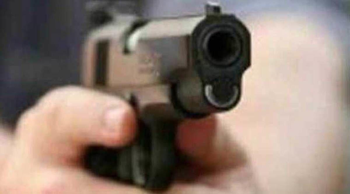 जौनपुर में जमीनी विवाद में दबंग भतीजे के पुत्र ने वृद्ध की गोली मारकर की हत्या, गोली के बाद चाकू से भी किया कई  प्रहार
