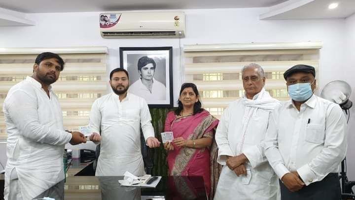 बिहार चुनाव: आरजेडी में शामिल हुईं जेल में बंद बाहुबली आनंद मोहन की पत्नी लवली आनंद